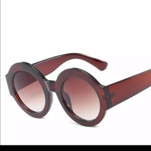 ✨🌟Amber Brown Round Thick Frame Sunglasses 😎